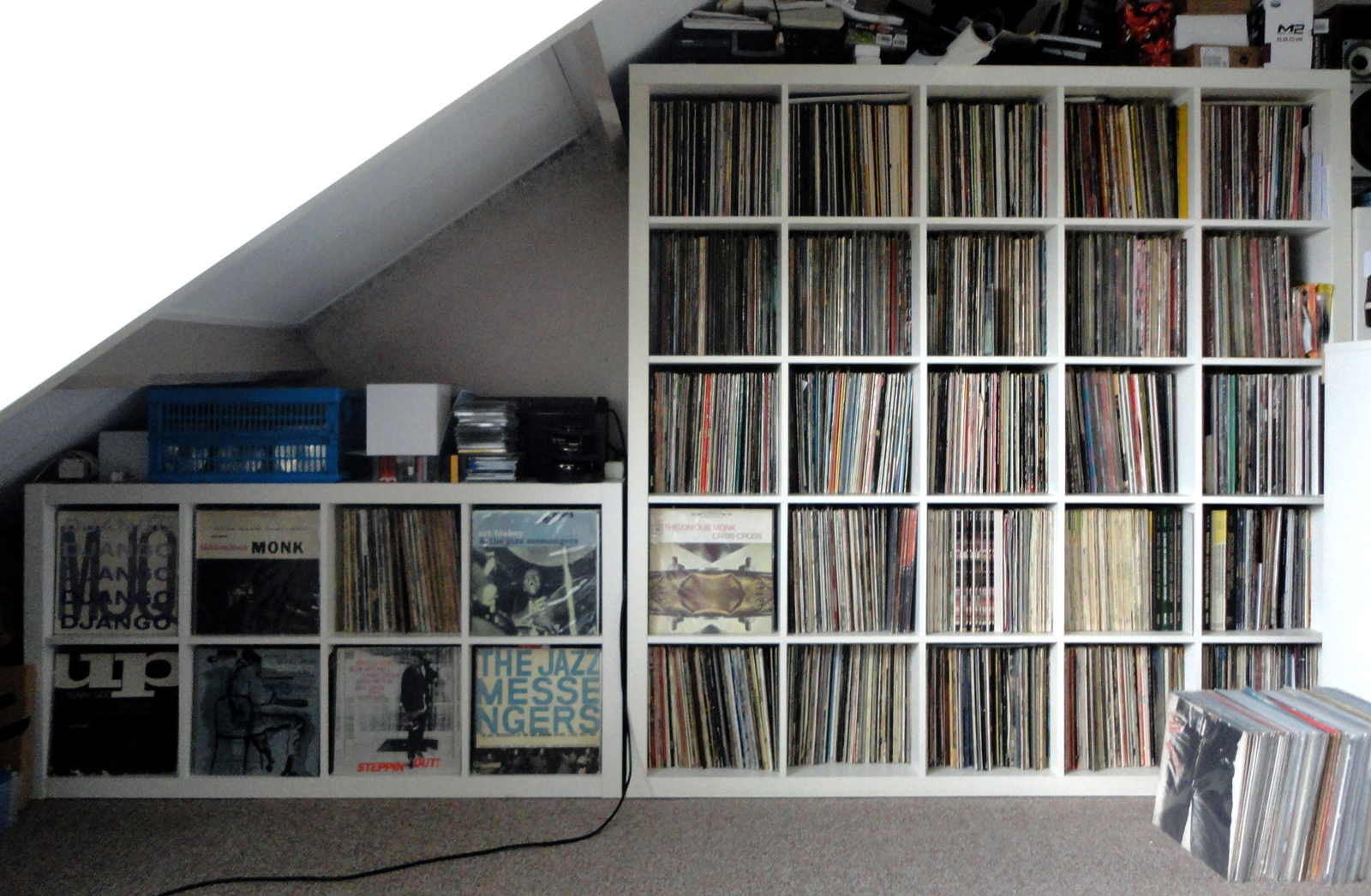 lp record shelf plans - Record Shelf