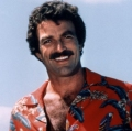 tom-selleck-magnum-hawaiian-shirt[1]